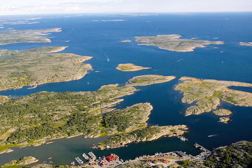 Bedre plassering for et fiskemottak enn dette skal vanskelig matches.Foto: Arne Kjeldstadli