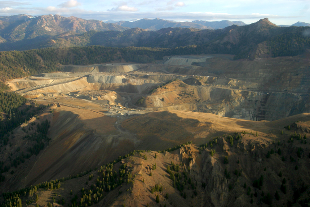 Thompson Creek Mine near Clayton, Idaho. The headwaters of the Boise River would look similar if a Canadian mining company has its way. (Photo by Greg Stahl)
