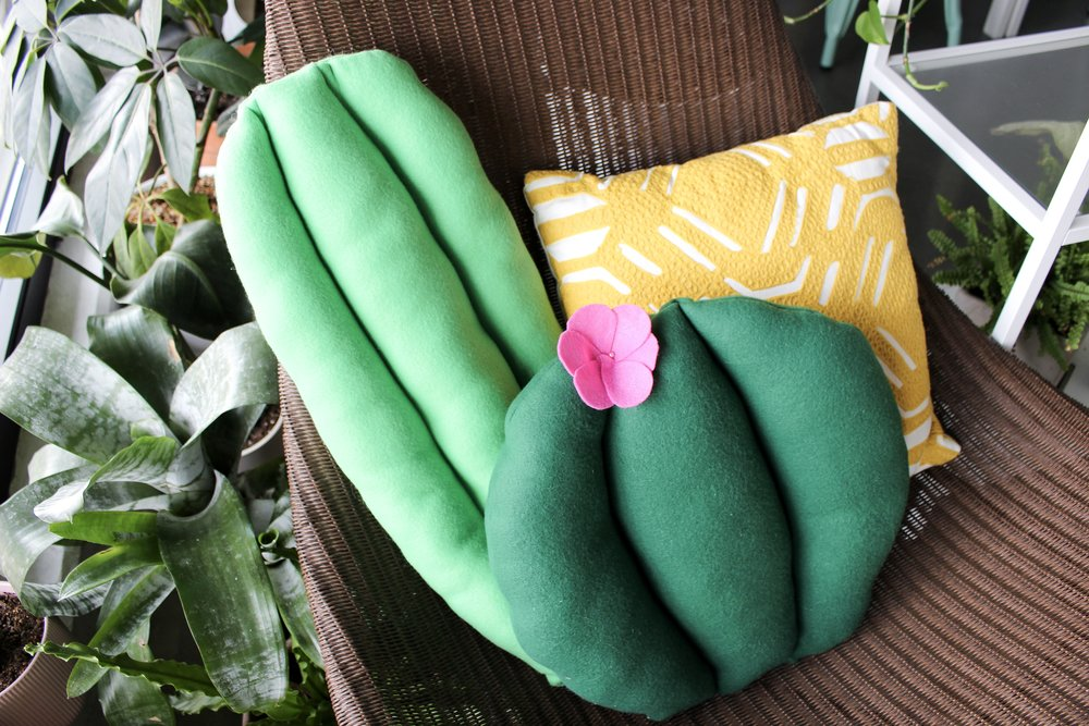 thepapercraftpantry-blog-felt-cactus-pillow-easy.jpg