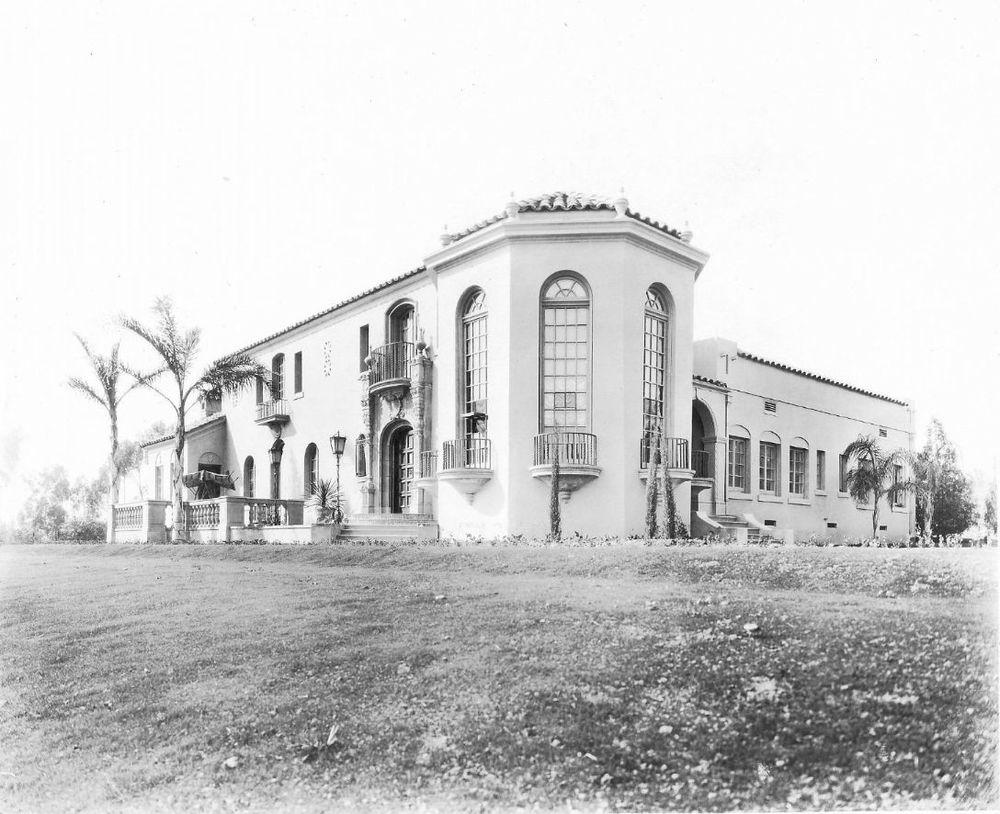 Muckenthaler Villa, Fullerton