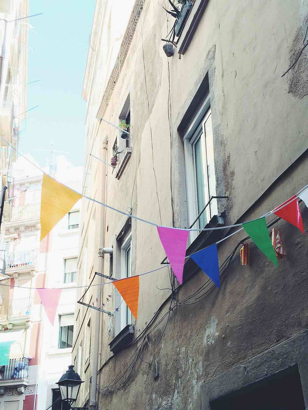 Barcelona_Streets-of-Color-OPT.jpg