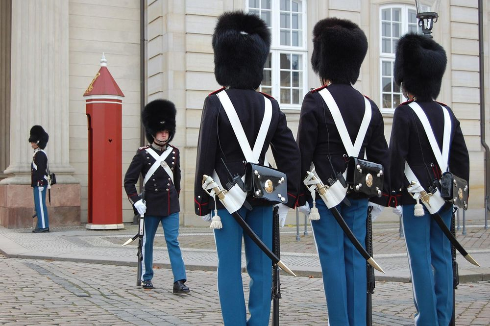 changing-guards.jpg