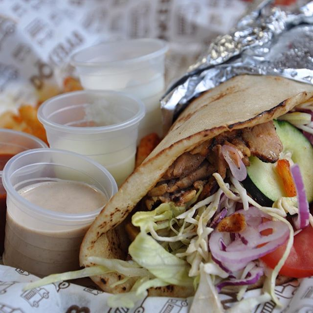 @don_kebab también está #BajoElPuente #Kebab #shawarma #Instafood #tacosárabes #DonKebab