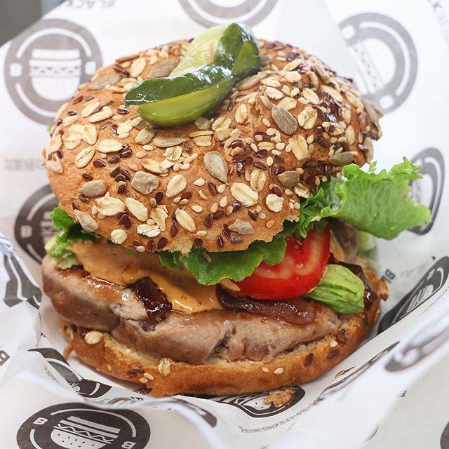 #Hamburguesa de #Atún en BlackBurguer. Pídela al término que más te guste. #Foodie #Yummy #Delicioso #CDMX #MexicoCity #México