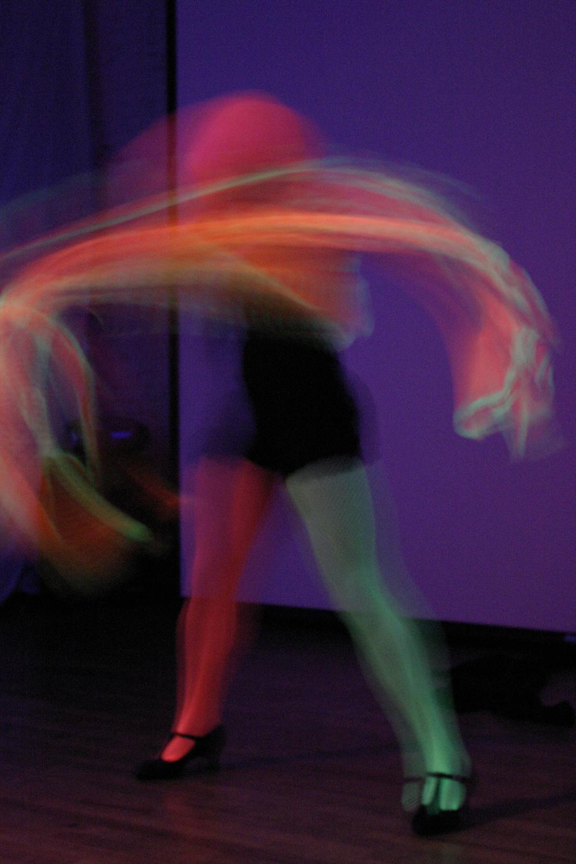 Neon_Dance_04.jpg