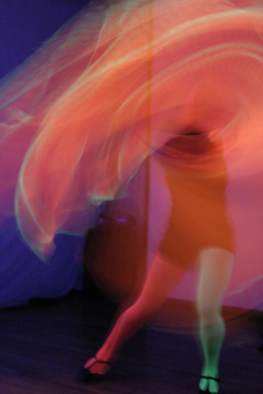 Neon_Dance_02.jpg