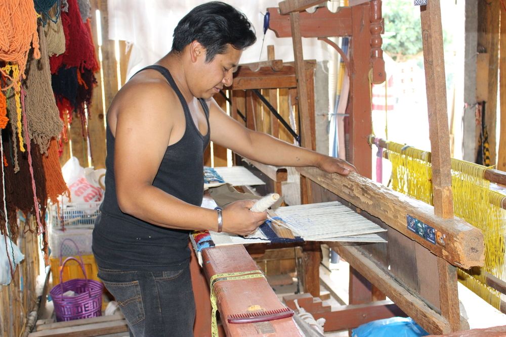 Handloom weaving in Teotitlan del Valle. Photo - KeapSake