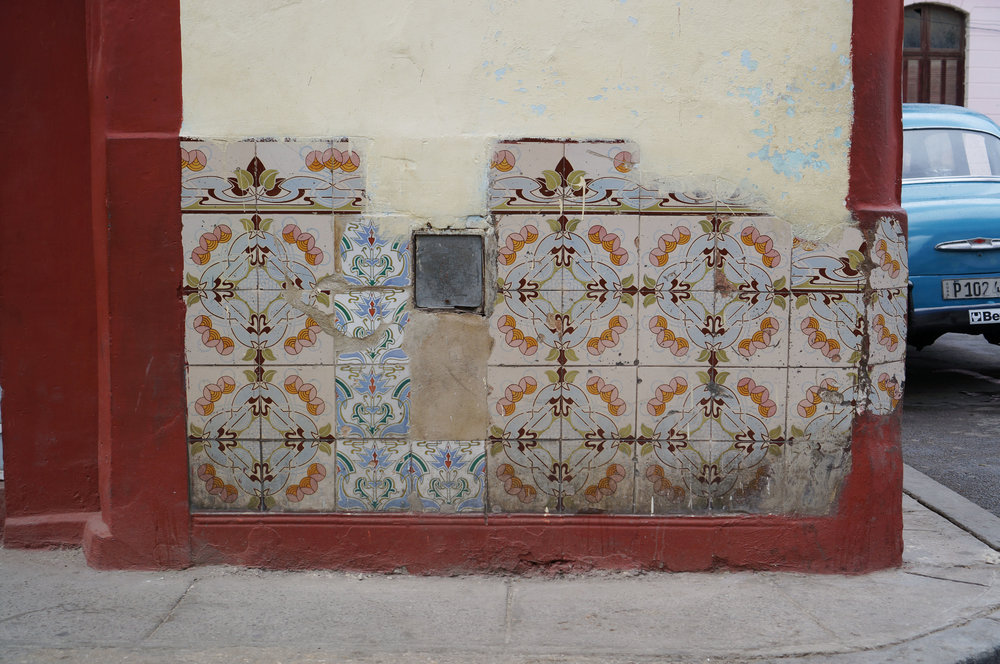 Look at those nouveau (or deco?) tiles!