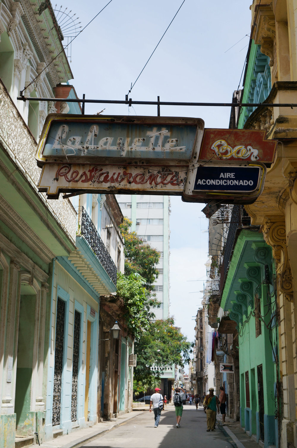 An old sign from the 50s - I used it a lot as a landmark to navigate around Habana Veija.  I'll be honest, as I passed underneath it I always quickened my pace...