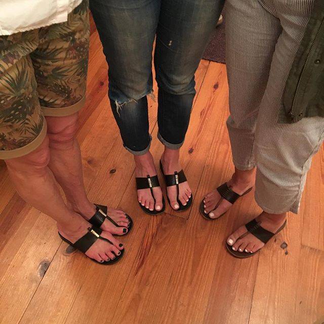 Akis ADA girls #akisdesign #womenssandals #handmadesandals #summer #leathersandals