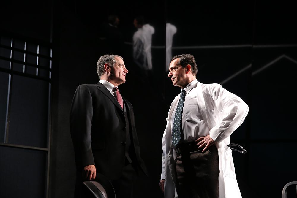 Steven Skybell (Phillip Gellburg), Stephen Schnetzer (Dr. Harry Hyman)