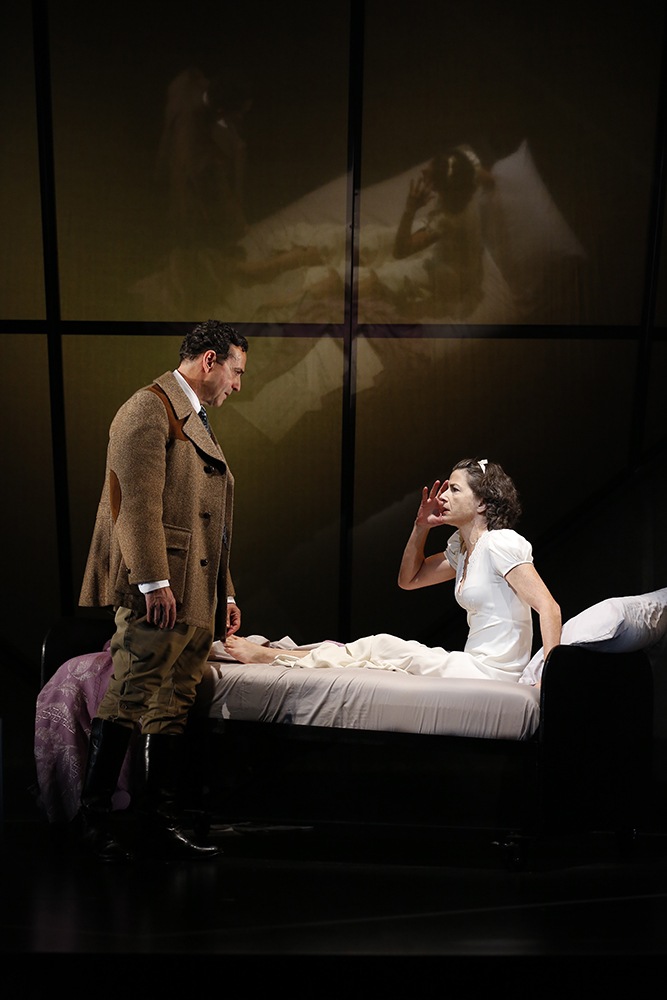 Stephen Schnetzer (Dr. Harry Hyman), Felicity Jones (Sylvia Gellburg)
