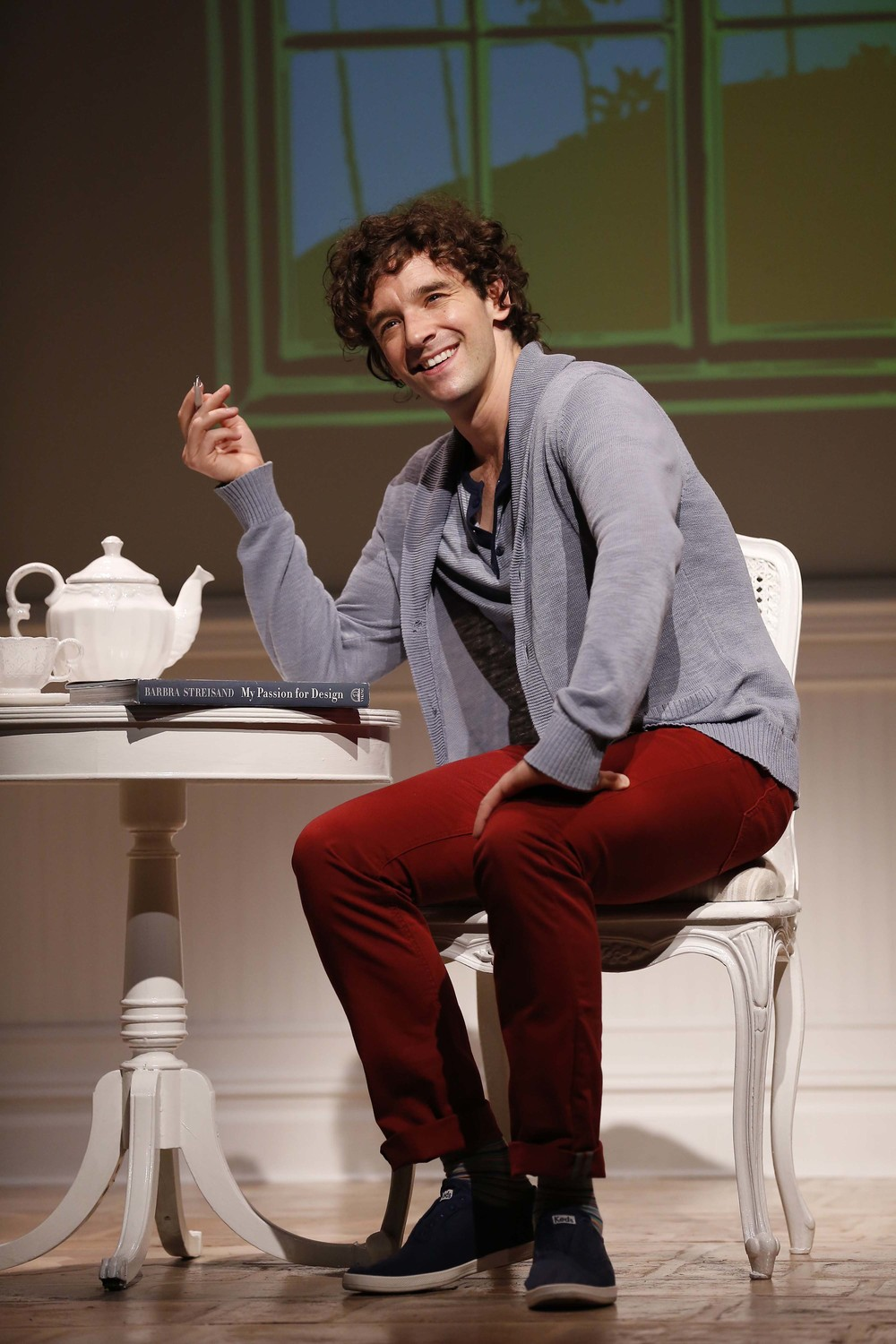 Alex More (Michael Urie)