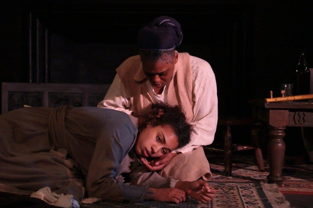 Yashar (Courtney Jamison), Sayrash (Antoinette Crowe-Legacy) (photo: Elizabeth Green)