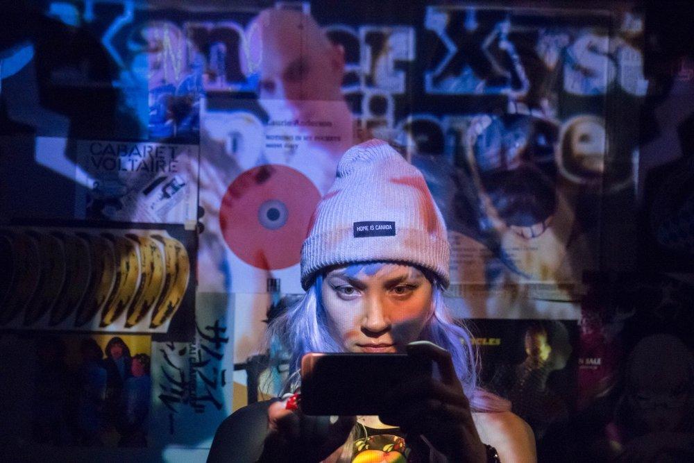 Lena (Sydney Lemmon)