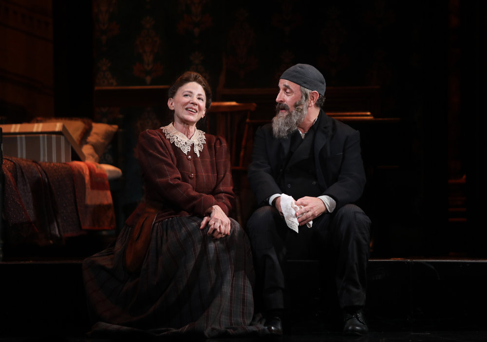 Rachel Brodsky (Lori Wilner), Avram Cohen (Adam Heller)