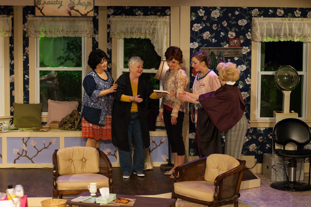 Truvy (Jill Taylor Anthony), Ousier (Peggy Cosgrave), Shelby (Susan Slotoroff), Annelle (Liza Couser), Clairee (Dorothy Stanley)