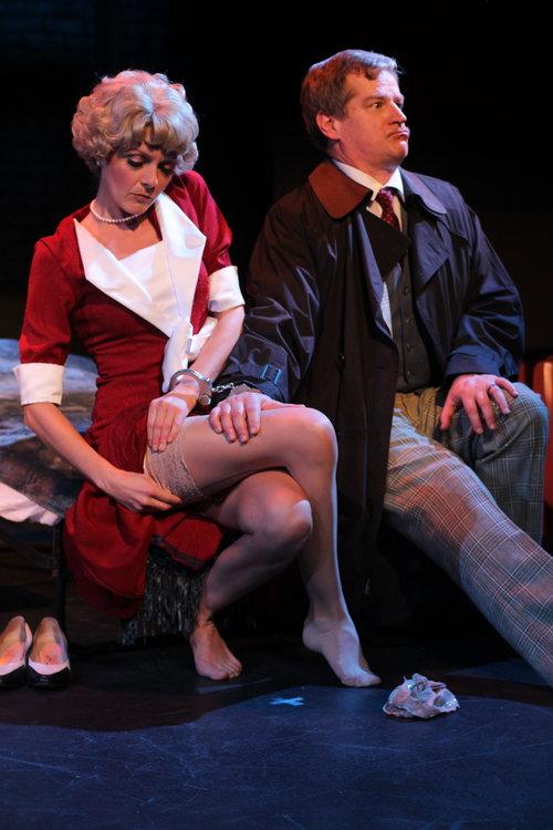 Pamela (Laura Cable), Richard Hannay (Gary Lindemann)