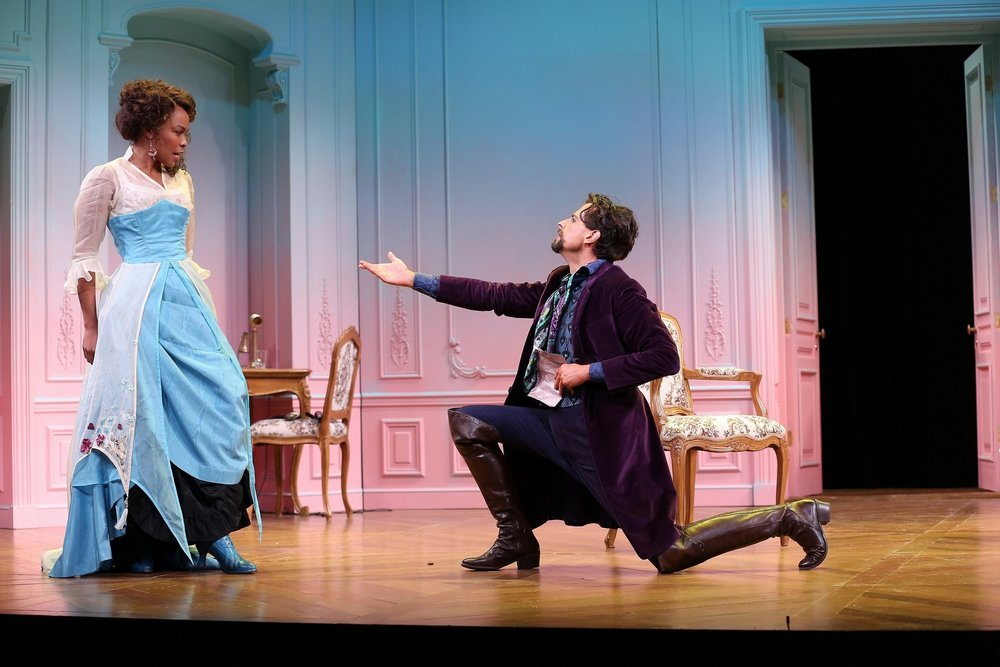 Lucienne Homenides De Histangua (Antoinette Robinson), Don Carlos (Michael Gotch) (photo by Carol Rosegg)