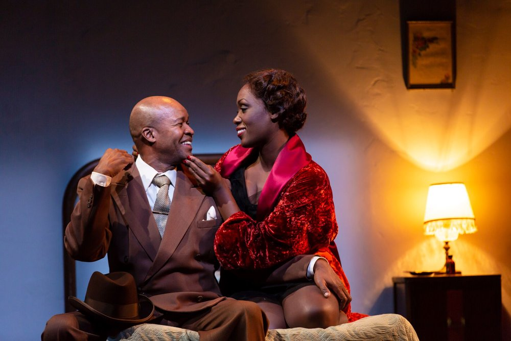 Corn (Leon Addison Brown), Silver (Carolyn Michelle Smith) in Paradise Blue (photo by T. Charles Erickson)