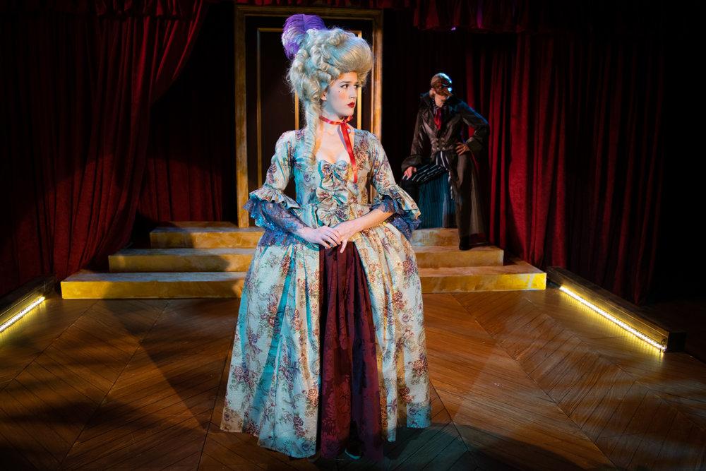 Marie-Antoinette (Jennifer Holcombe)