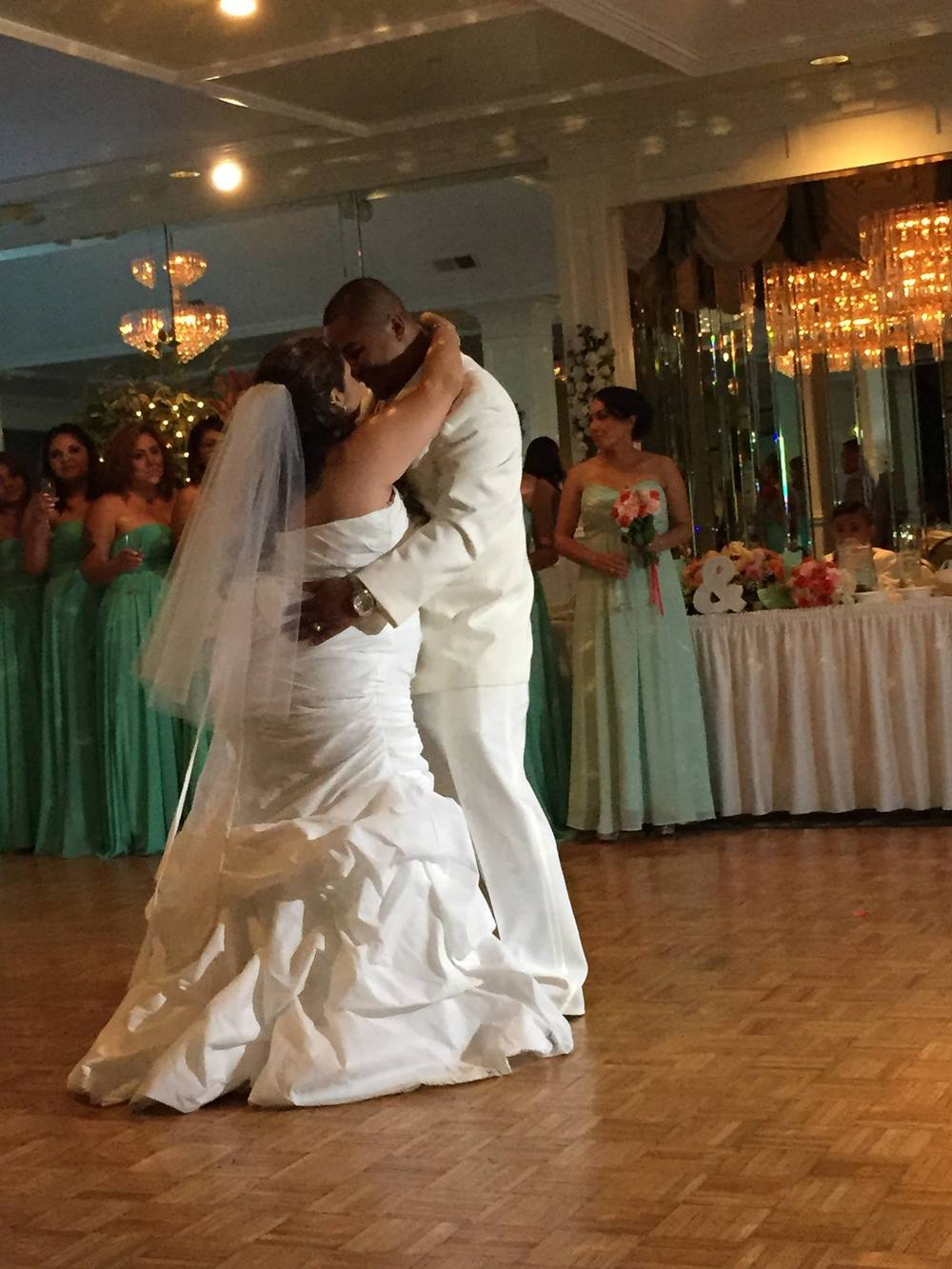 Mr. and Mrs. Quinteros First dance