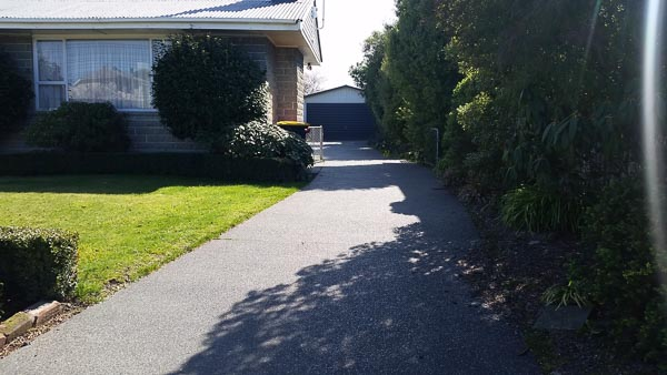 Concrete drive - Exposed Aggregate