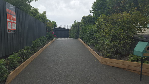 concrete-contractor-Christchurch-Exposed-Aggregate-driveway.jpg