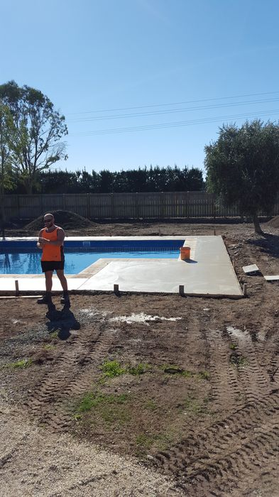 colour_cut_concrete_soapstone_colour_pool_surround_christchurch (5)_1.jpg