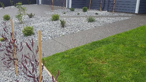 black-exposed-aggregate-concrete-christchurch-nz (6).png(new).jpg