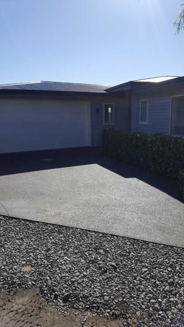 Exposed-aggregate-concrete-patio-3 (2).jpg