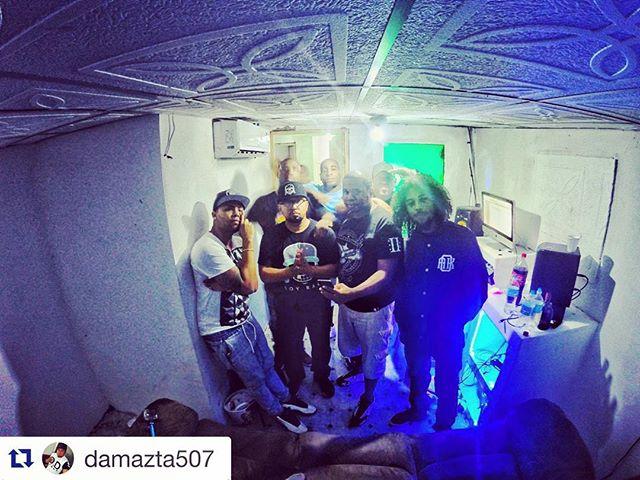 Leaving #Panama doing what I love,.. #Music. Late #night early #morning . .  #Bendecido en conocer a todos en #pty este viaje. Hasta la proxima #respect .. #SoyRaka #trabandodelanochealamañana #rakasinpty #rakastylo #BOOM  #gopro #Studio #Trabajando #Music #Panama ft @losrakas @_styl0 @jayfire507 @gypsondoit @tommykhalifa @jose_luis21