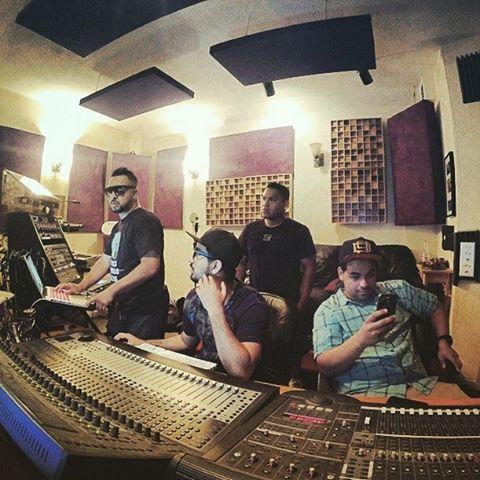 #Working at @moondogstudios with my #ninjas @mariovelasco, @joe_yncio and @jr_gatsby .. #fbf #makemusic #musica .#losdurosdeloeste #studiolife #gopro #wedothis #soyraka #stunners #rakastylo #BOOM