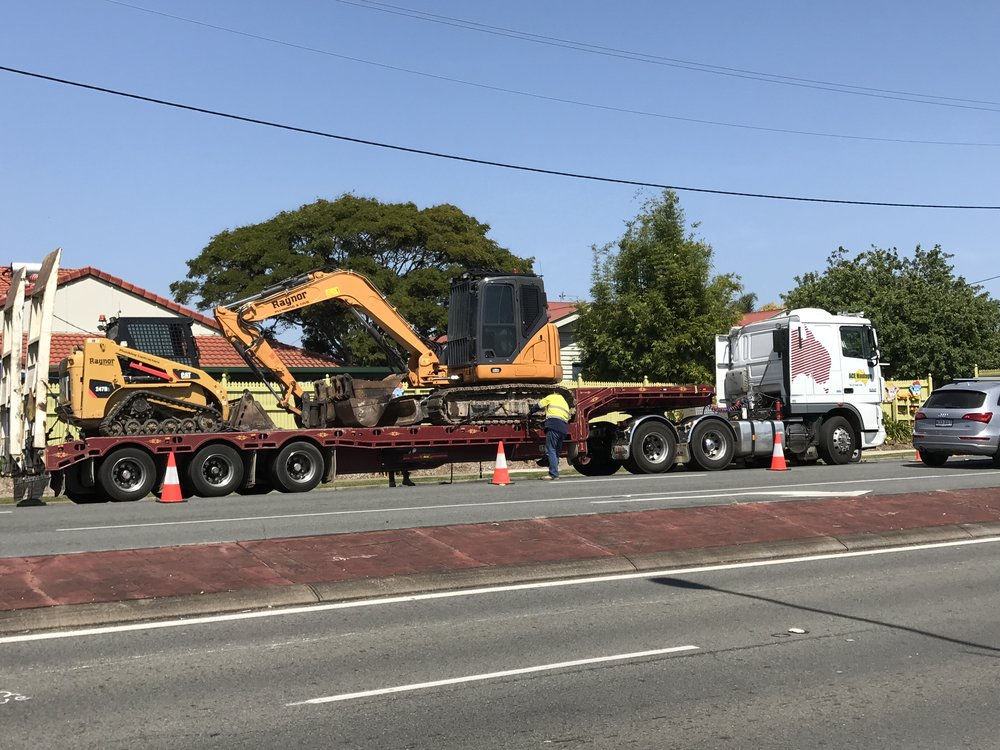 Machinery delivered to site for hire on the gold coast