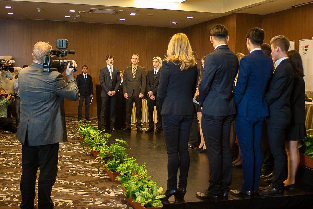 A fogadalomtételt komoly médiaérdeklődés kísérte, hiszen egybeesett a MOB éves közgyűlésével (Fotó: MSBSZ/Pintér László)
