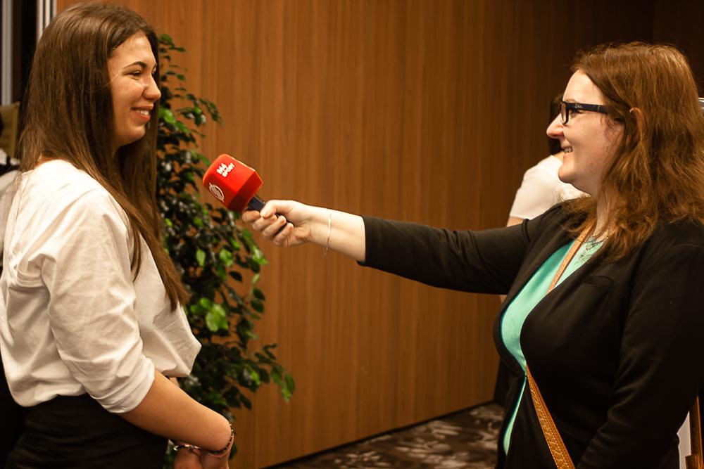 Fehér Zsófia ad interjút az M4 Sportnak (Fotó: MSBSZ/Pintér László)