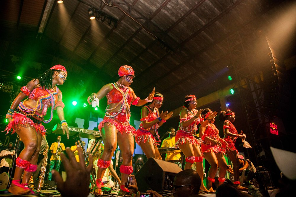 Dancers at the New Afrika Shrine // Source: http://thesoleadventurer.com/
