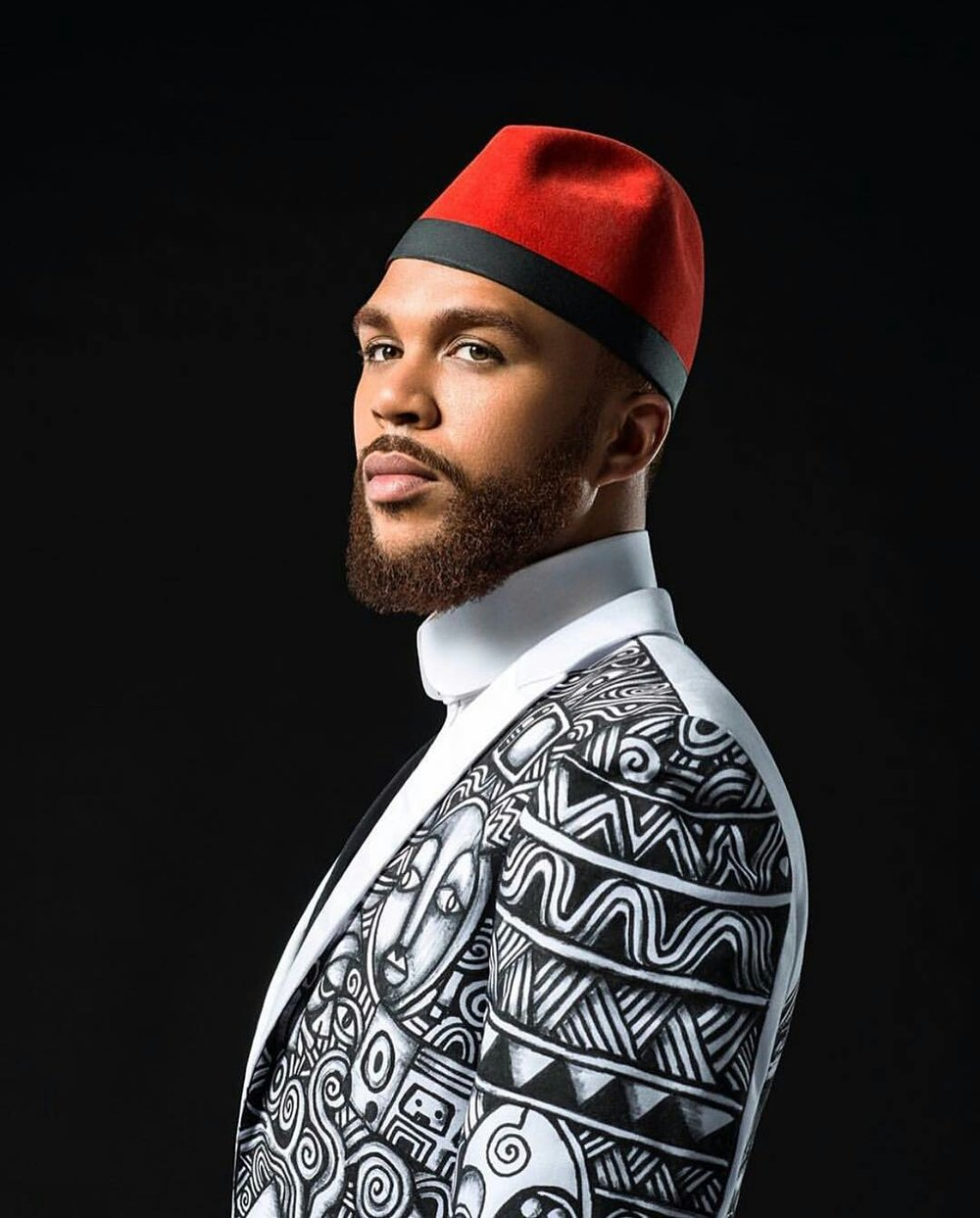 Us based Nigerian singer Jidenna wearing a custom jacket by Laolu