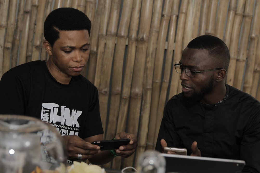 Franklin Ozekhome, Founder of the bschool, having a chat with trendspotter and strategist Adepoju Bakare