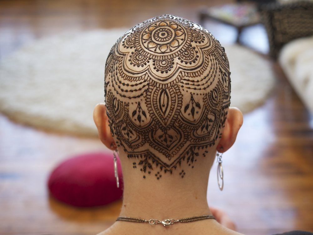 A Henna crown for a chemotherapy patient via hennalounge.com