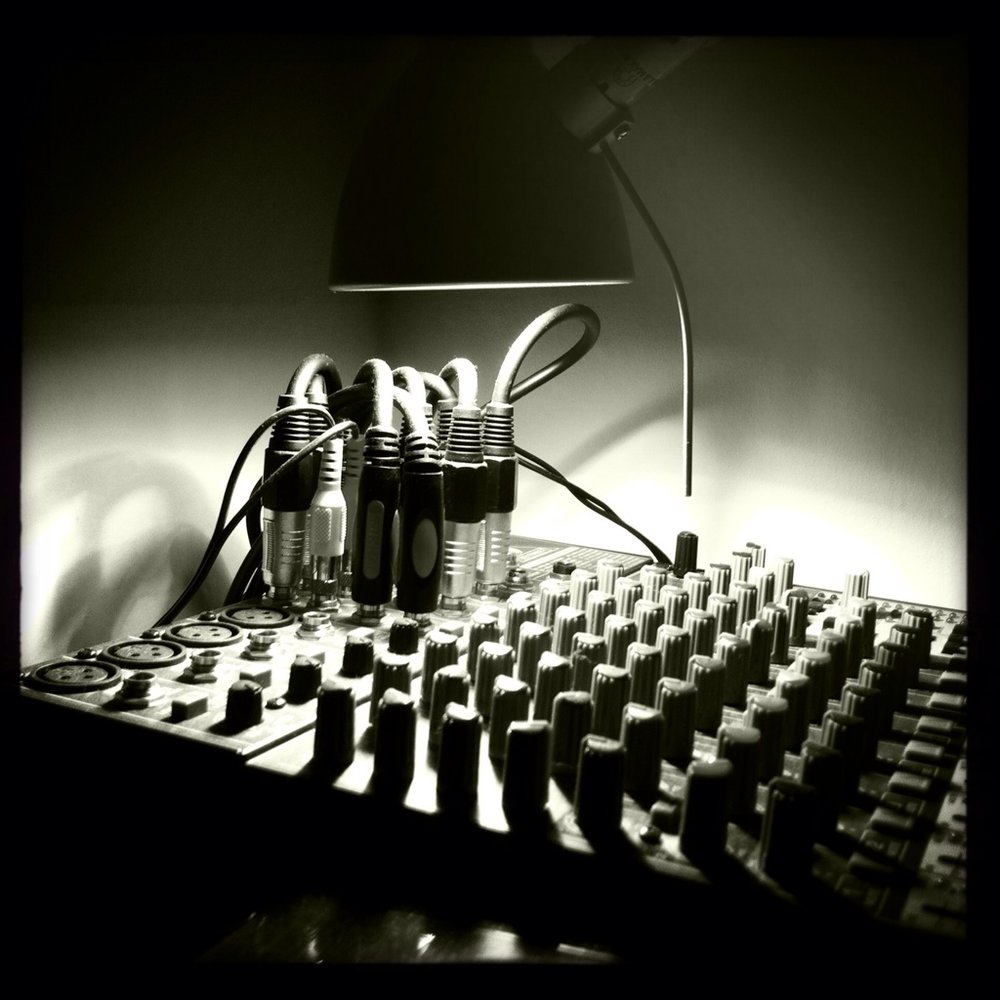 A music Mixer // Photo via djstayhome.com