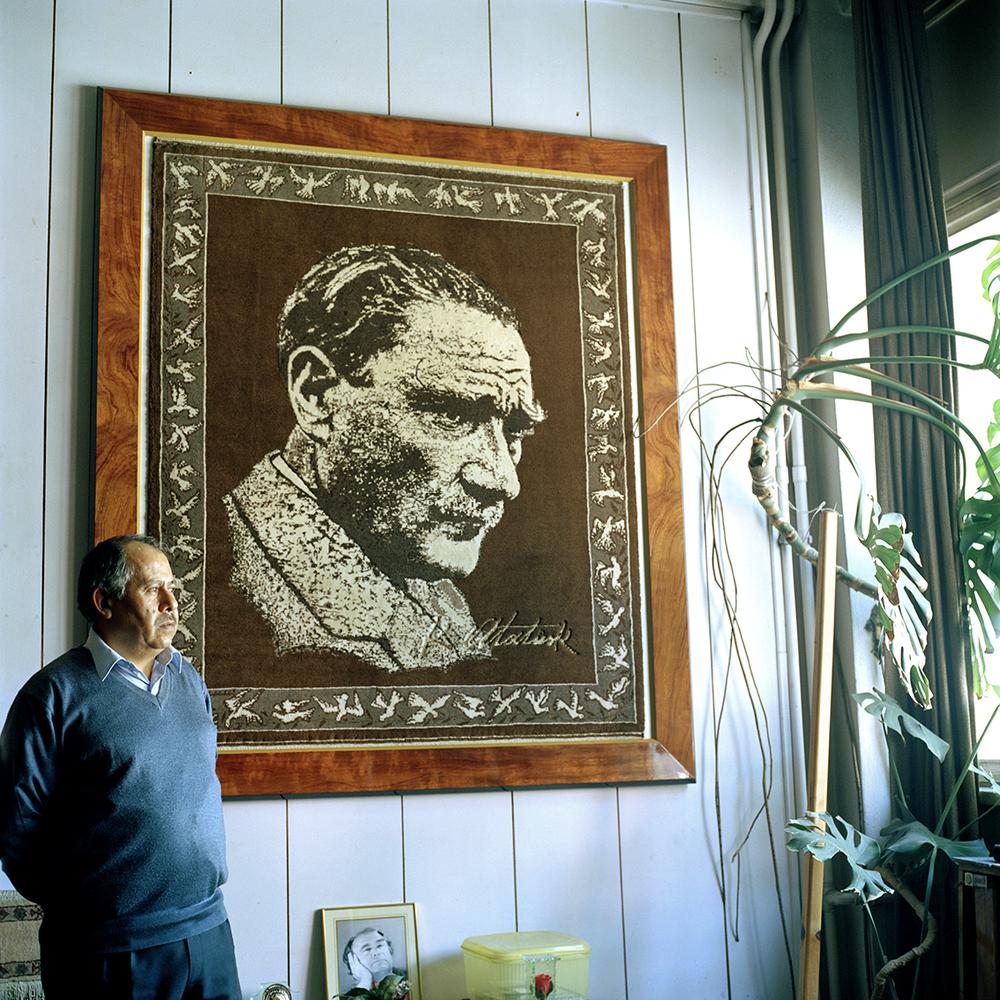 Carpet maker in Isparta, Turkey