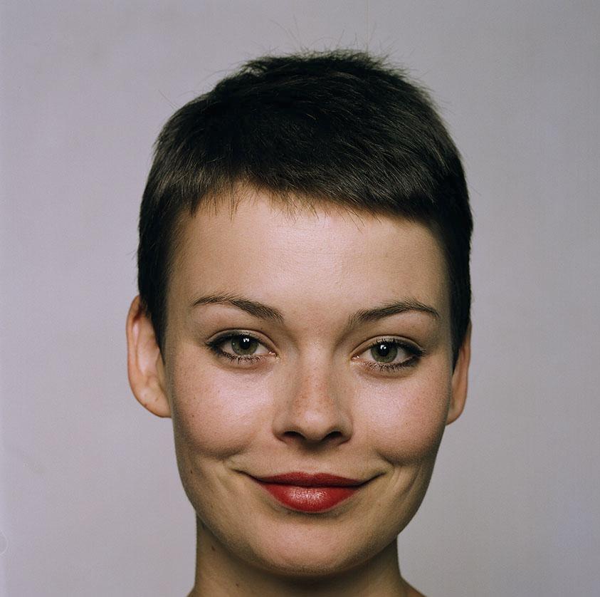 Nina Porträt.jpg