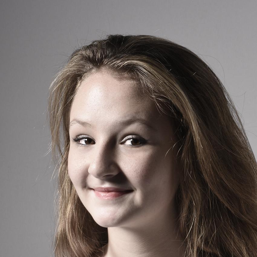 Jeannine Portrait.jpg