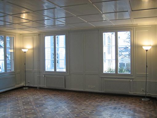 Wohnzimmer mit altem Parkett