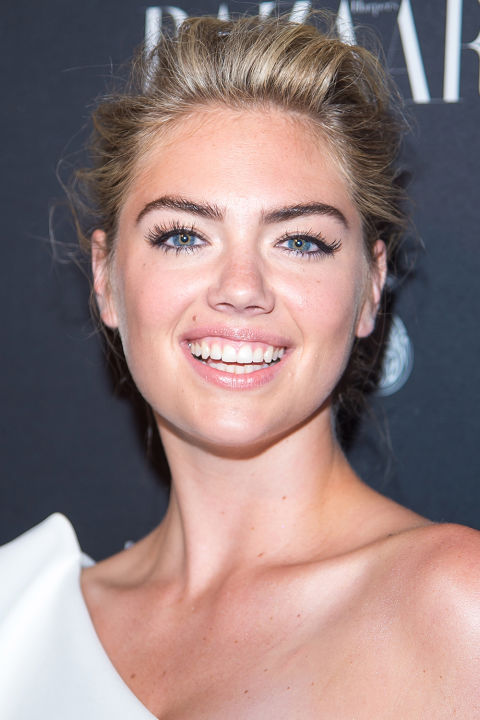 hbz-holiday-makeup-ideas-kate-upton.jpg
