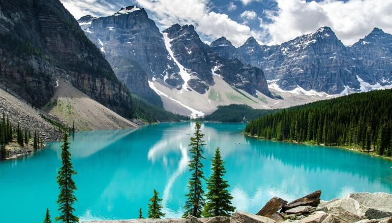 moraine_lake_banff.jpg