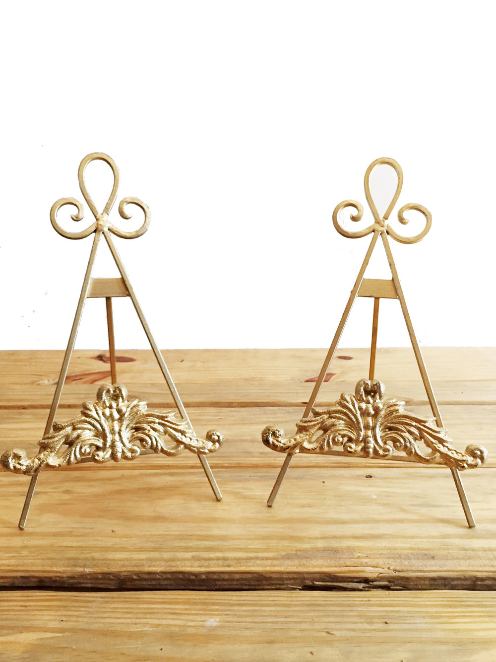 "8"" Gold Easels"