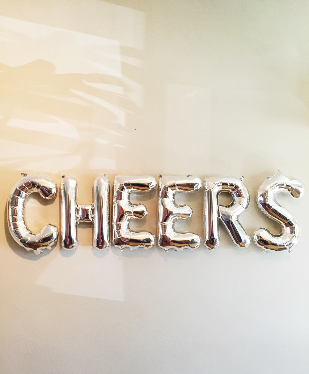 Cheers Balloon Set