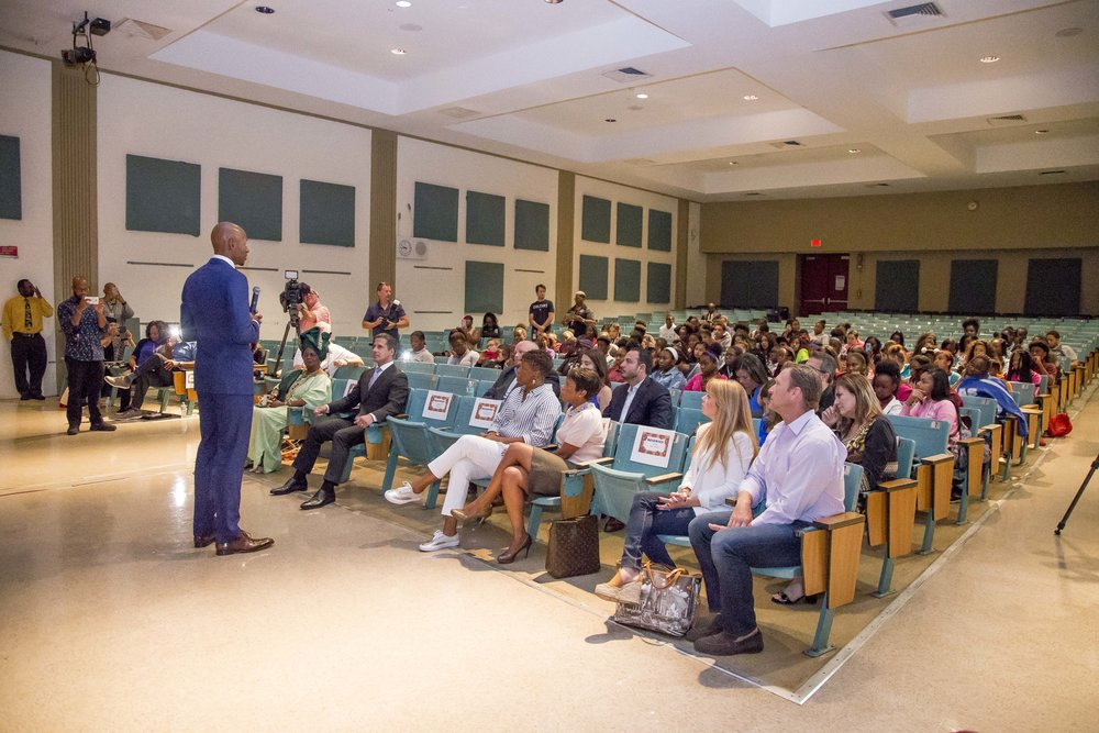 Ray Allen Computer LabHorace Mann Middle05_11_2017Jimmy Abraham_MDCPS_19.jpg